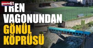 Vagondan gönül köprüsü kurdular