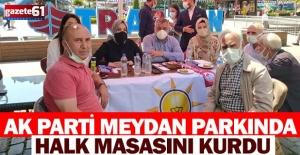 AK Parti Meydan Parkında Halk Masasını Kurdu